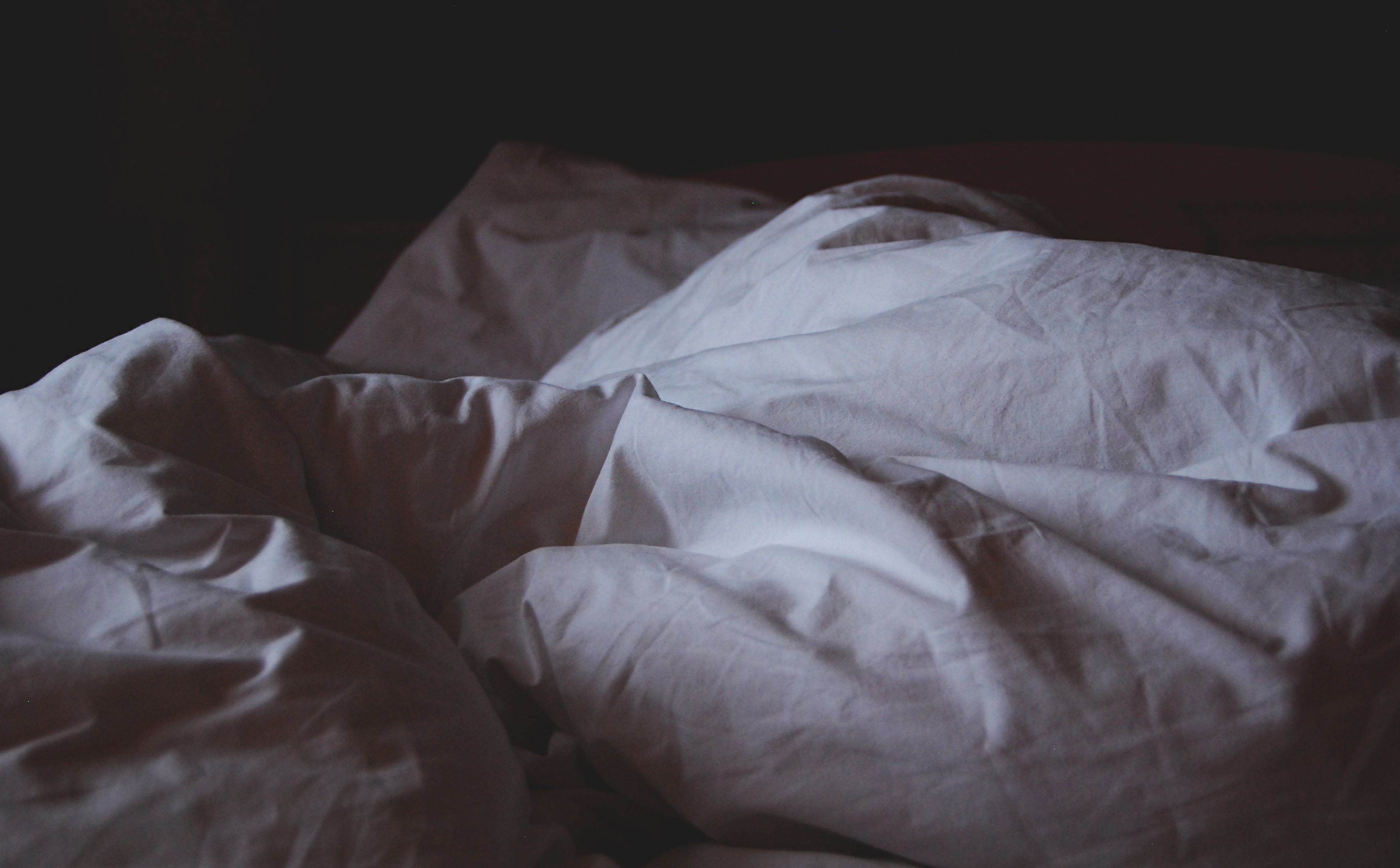 【社内恋愛の失敗談2】会社の憧れの先輩と一夜の過ち、弄ばれた最悪の失恋