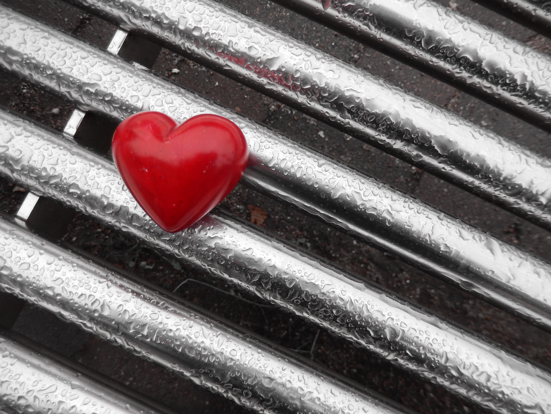 【浮気の恋愛失敗談6】独身と騙され会社の部下と二股されプライドがズタズタになった悲しすぎる経験