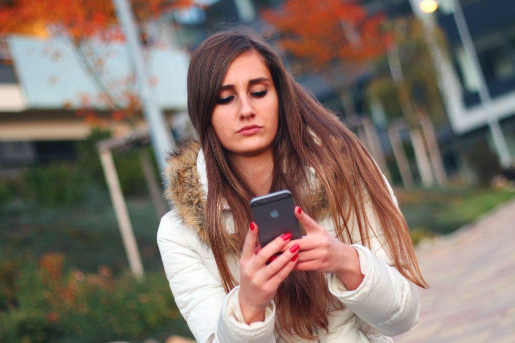 恋愛 失敗 携帯 女性